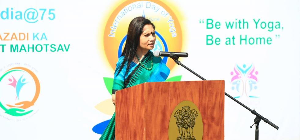 Ambassador Shubhdarshini Tripathi addressing yoga enthusiasts on the occasion of 7th International Yoga Day 21 june 2021
